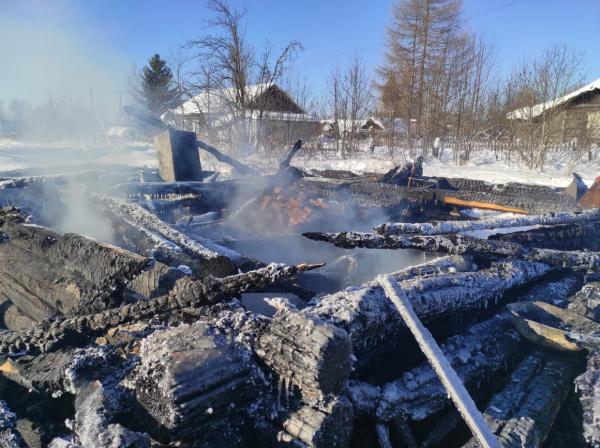 53-летний мужчина погиб на пожаре в Костромской области.