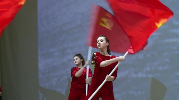 Костромские коммунисты наградили ветеранов космодромов памятными космическими медалями