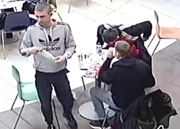 Полицейские ищут погулявших за счёт молодой костромички мужчин