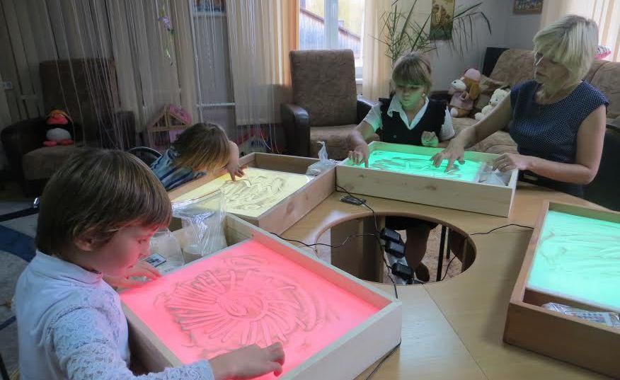 Детей из костромских коррекционных школ оденет и обует областная казна
