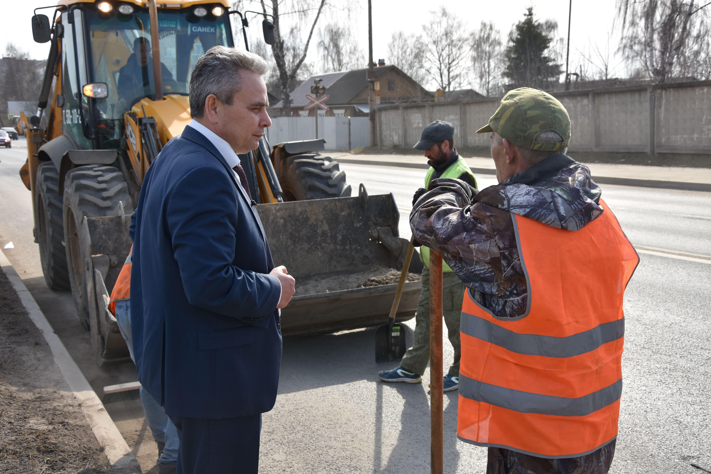 Собственников зданий в Костроме будут штрафовать за неубранную прилегающую территорию