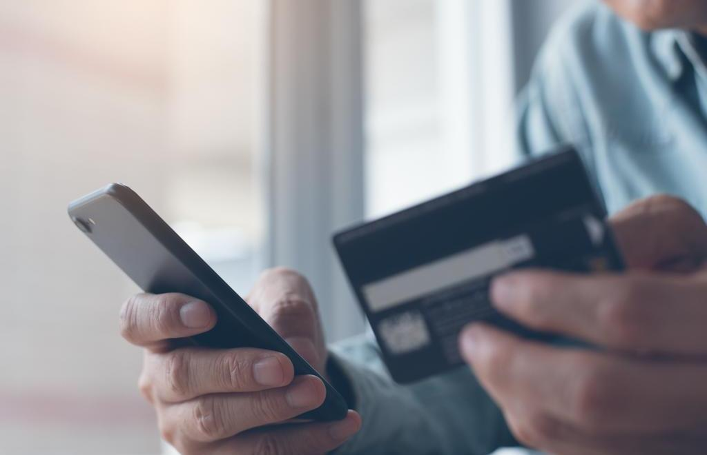 Костромские полицейские раскрыли серию краж с банковской карты пенсионера