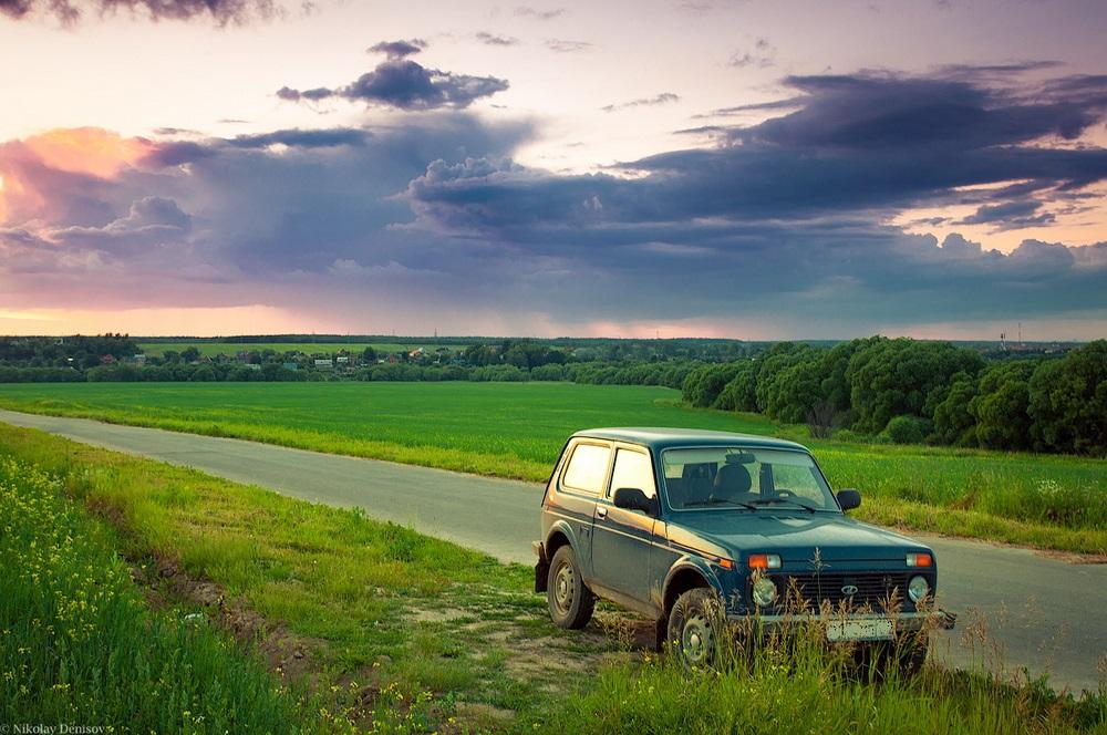 Пылкий мужчина угнал машину из костромского райцентра для встречи с подругой