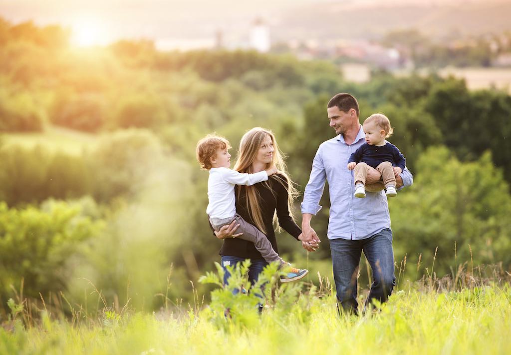 Картинки семьи проводящей время вместе