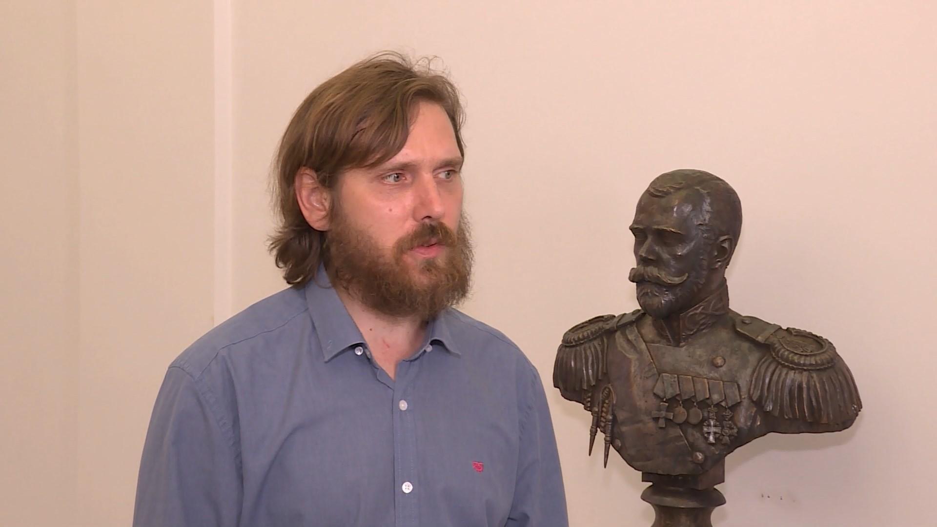 В холле Романовского музея в Костроме установили бюст императора Николая II