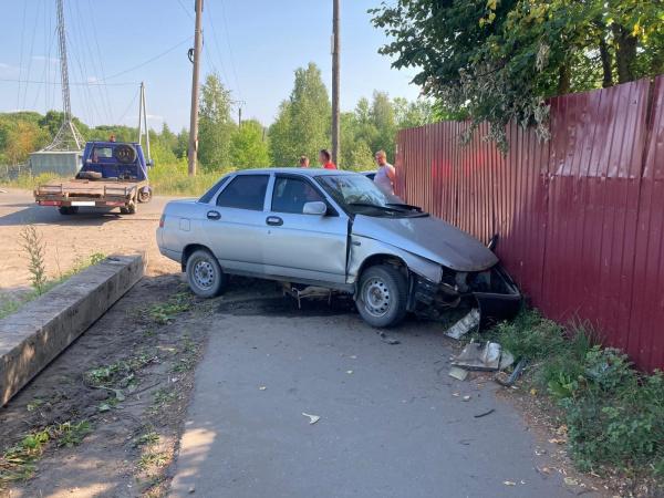 Машины пьяных костромских водителей продолжают валяться в кюветах и под заборами
