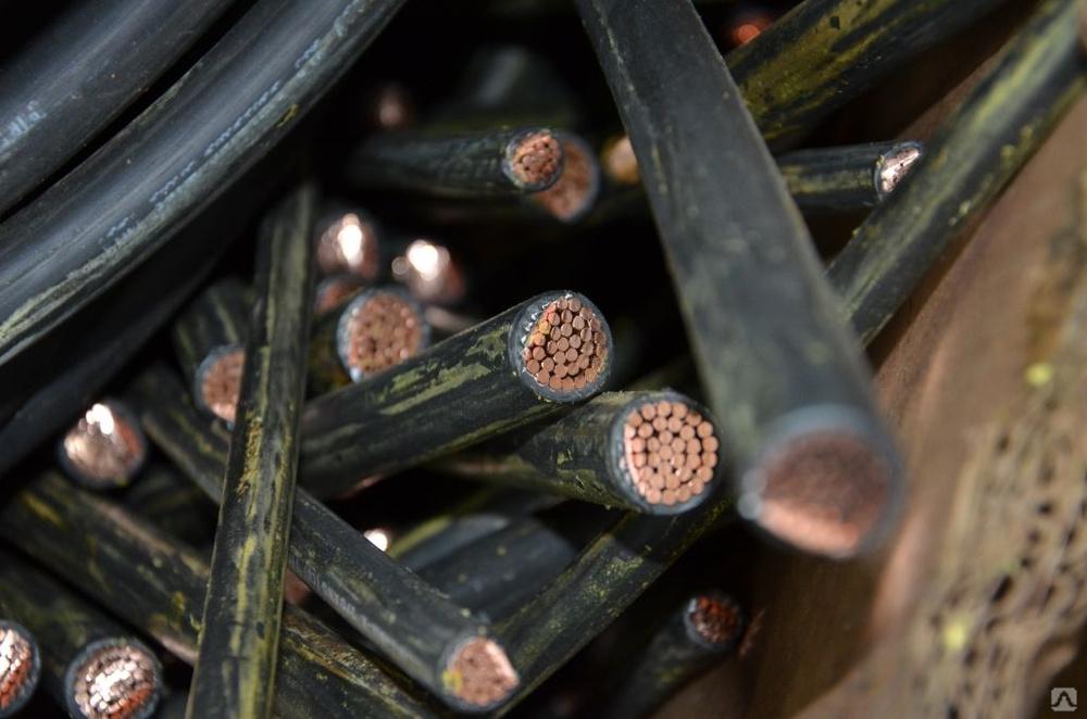 Костромские путейцы украли с железной дороги почти 160 метров кабеля