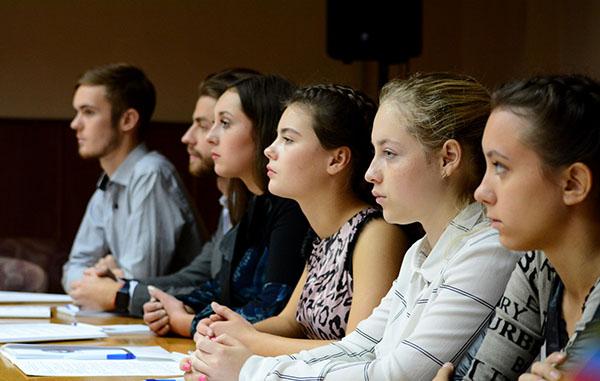 Молодым людям в Костроме дадут почувствовать себя чиновниками