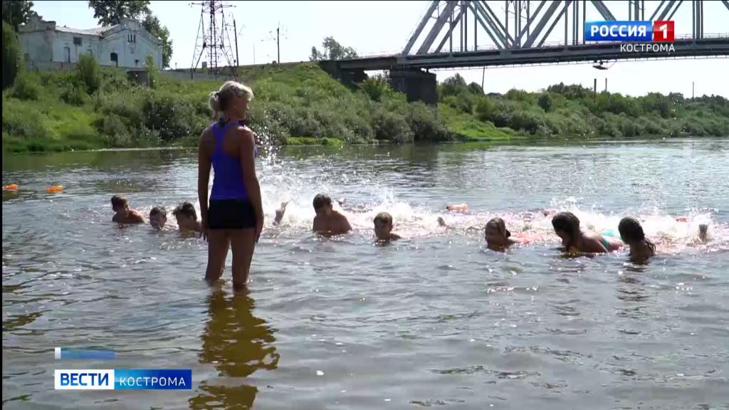 На костромском мелководье растят непотопляемых детей