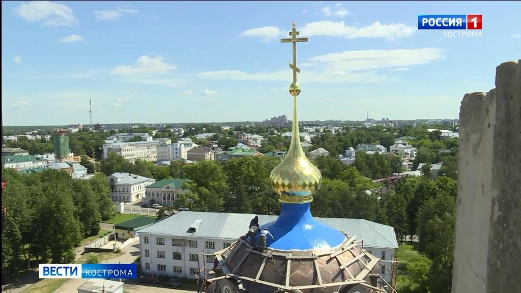 Красят купола Кремля.mp4_snapshot_01.13.883.jpg