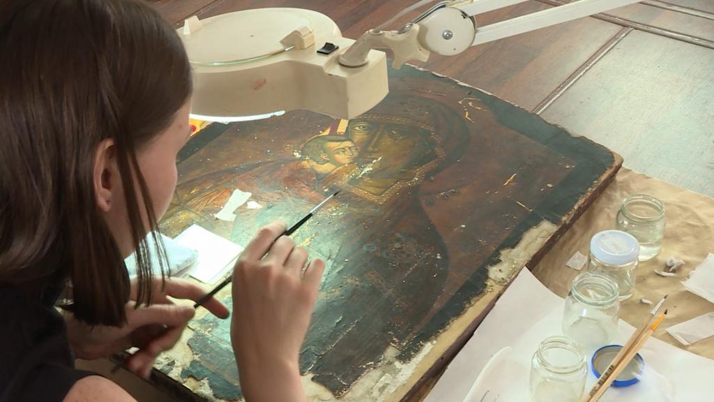 Реставрацией древних костромских икон занялись студенты из столицы