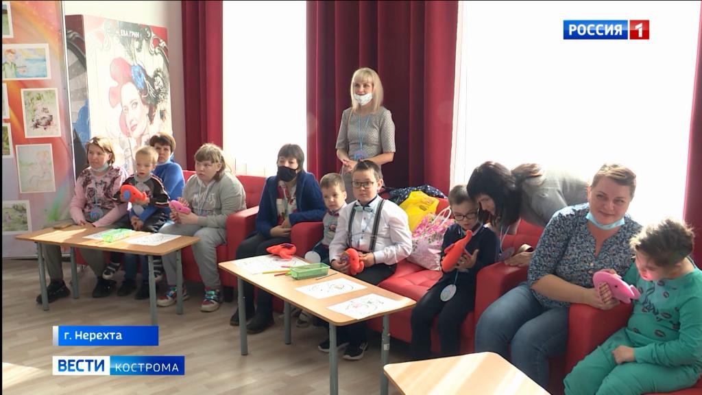 Мир особенных костромских детей воплотили в картинах юные художники