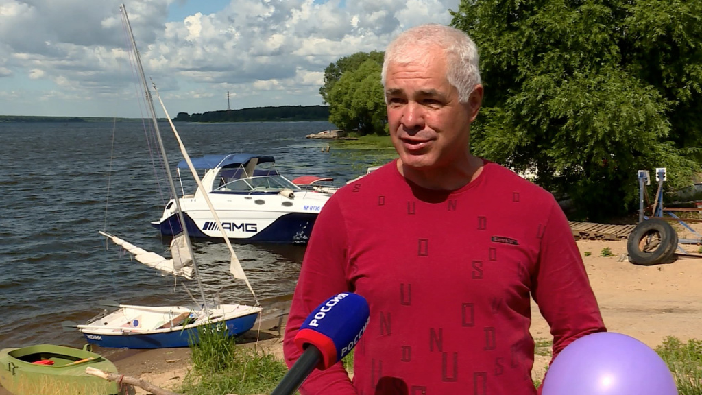 «Музейный почтальон» из Иванова прибыл в Кострому на лодке